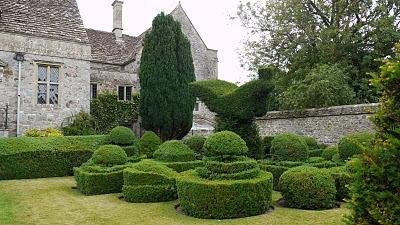 The Manor Gardens at Avebury