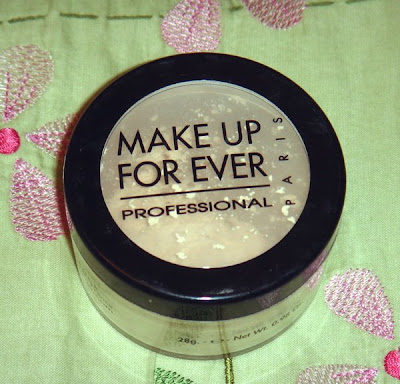 I've long known about this powder, and have given it a try twice in the past. Both times, I tried a yellow-translucent shade, and a skintone matching shade.