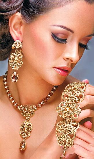 Asian bridal jewellery Sheclick 20 Bridal Jewelry On Beautiful Brides