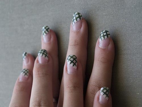 Enhancing Beauty Of Nails With Nail Art New Fashion