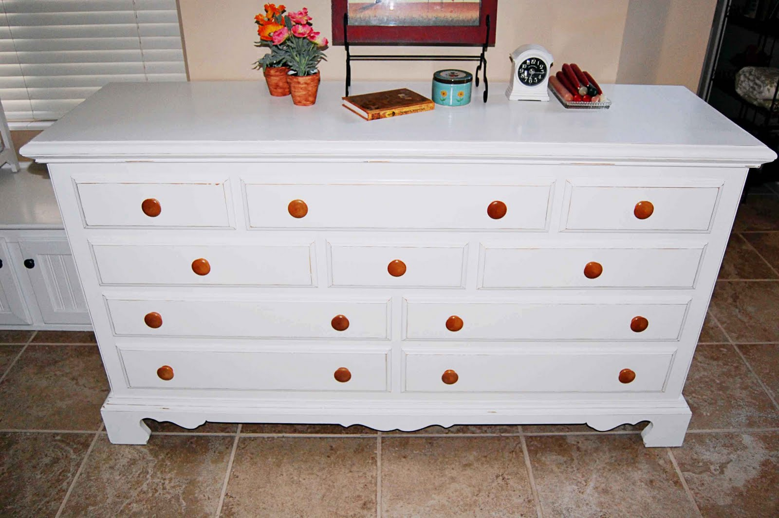 The frosted gardner the kallee dresser and nightstand set for Dresser and nightstand set