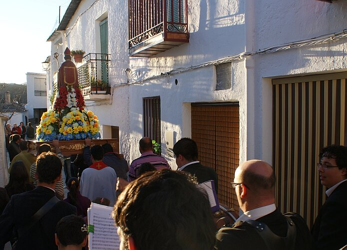 Procession of San Blas in Nieles on the 6th of February 2010 - foto: casa rural El Paraje