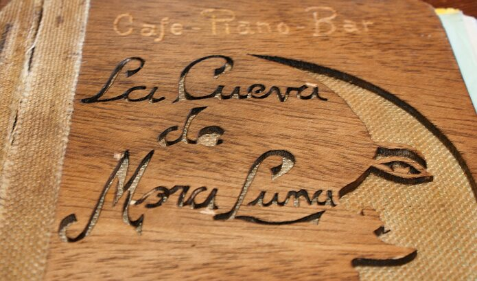 Cover of the menu of Cueva de la Mora Luna - foto: casa rural El Paraje  de