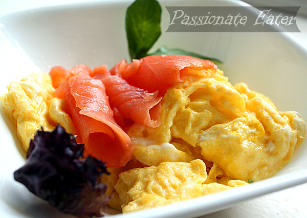 Passionate Eater: Scrambled Eggs with Smoked Salmon and Arugula