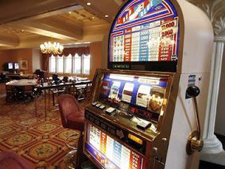 http://2.bp.blogspot.com/_WdwLO7Nk0Us/TKVIQEXZHtI/AAAAAAAAEq8/FzOb6YDR0oE/s1600/kerkyra+casino.jpg