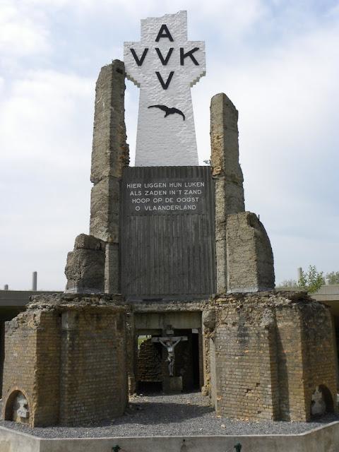 Ijzertoren Yser Tower Diksmuide