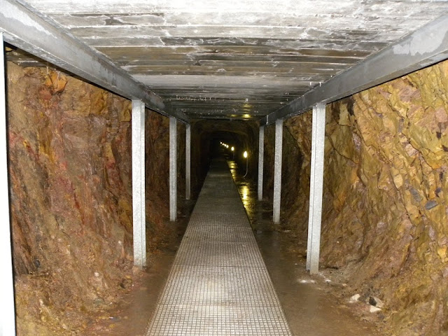 Blue Stone Mine Recht Belgium Blauwsteen