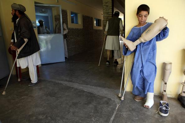 [Landmine+Victims+Receive+Tretment+ICRC+Rehabilitation+B_OhmGtmqqtl.jpg]