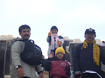 Turun dari puncak kawah Gunung Bromo