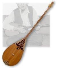 カザフスタンの楽器:ドンブラ