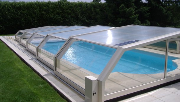 Abri de piscine - Taille standard piscine ...
