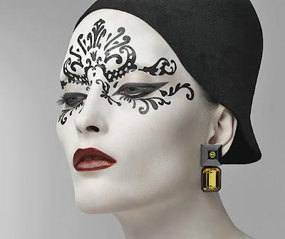 Artist In Oman Makeup Artist Watch Kabuki - Kabuki-makeup