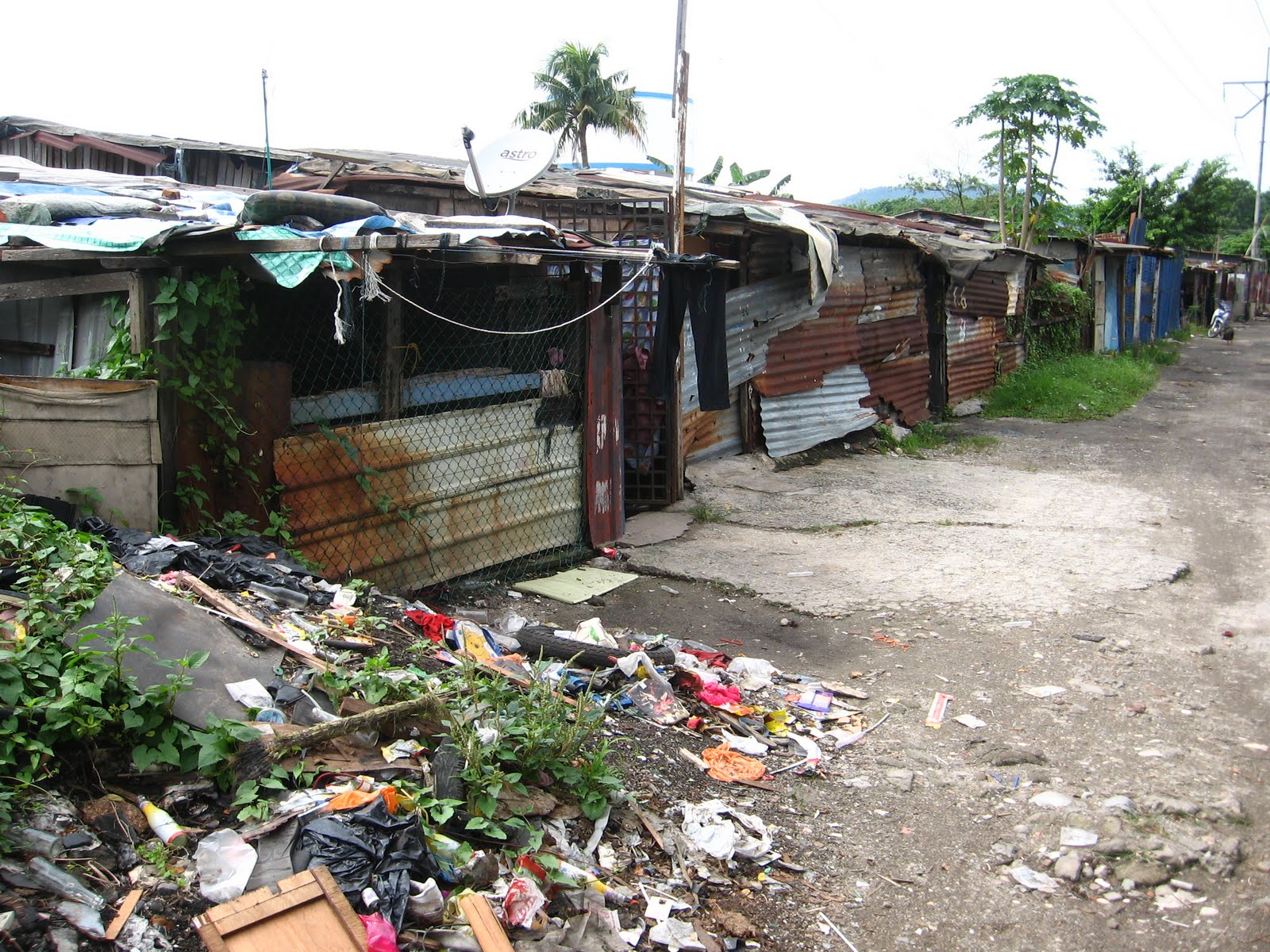 the real slums of the world The world given to us by god is full of all the bounties whereas the world of these slum children is full of poverty and hunger the world which they see is not the real world their world is confined to the narrow, dusty streets of the slum.