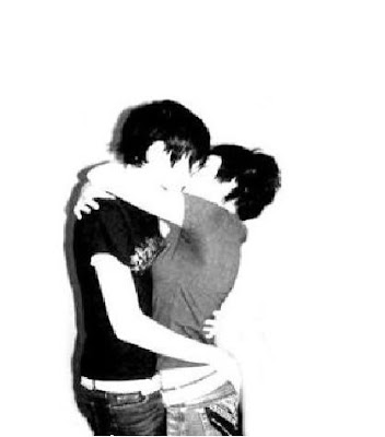 This is the great emo lovers couple hug Wallpaper, Background,