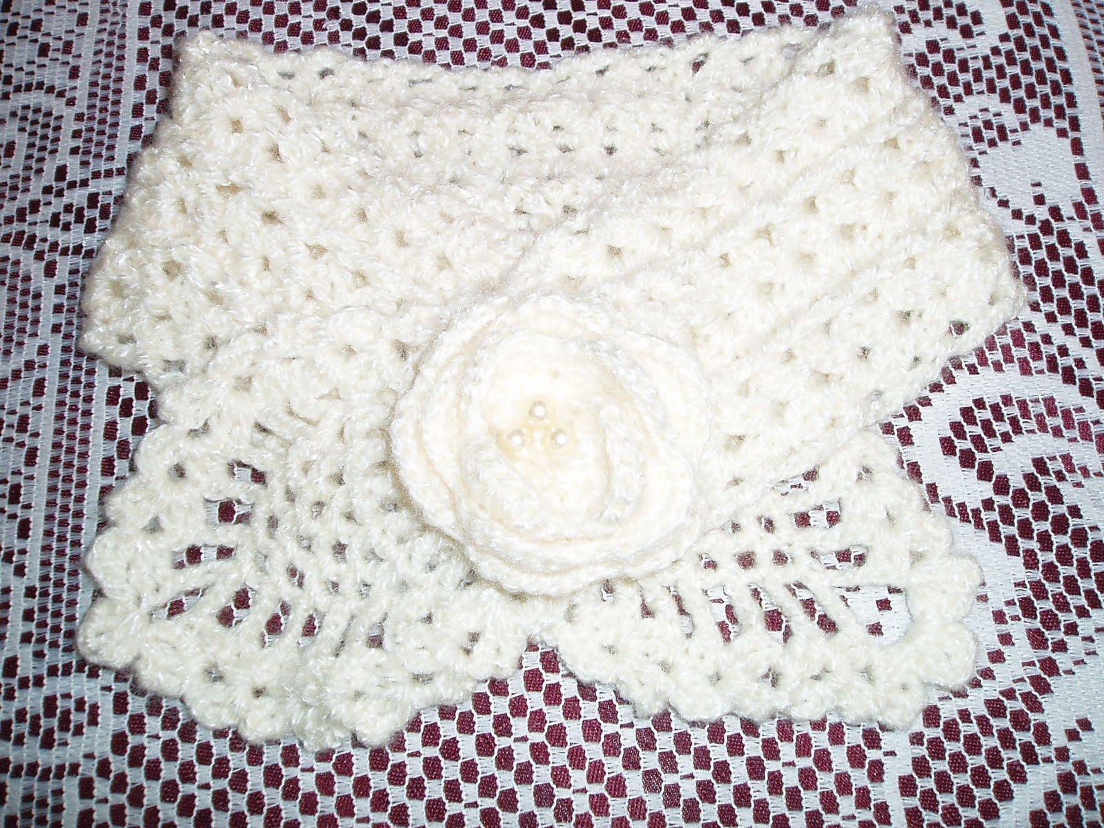 Amigas este hermoso cuello esta tejido a crochet, espero les guste.