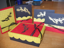 Dragon card box with 4 cards