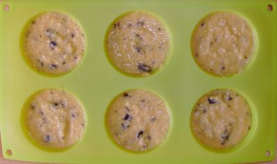 Queques de Amêndoa com Coco e Pepitas de Chocolate 1