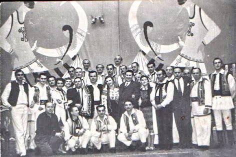 alaturi de colegi din Orchestra de muzica populara a Filarmonicii de Stat Transilvania