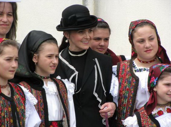 Anghelina Timiş Lungu, Iulia Lungu...