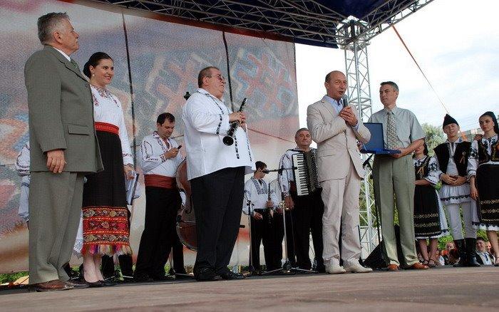 Serbările Transilvane 2008 - alături de Traian Băsescu, preşedintele României (la aceea vreme)