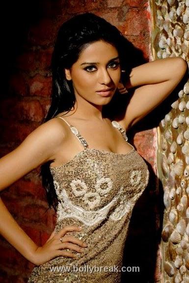 Amrita Rao Sizzling Hot Photoshoot
