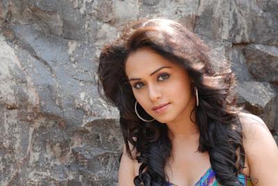 Sexy Pics of Marathi Actress Amruta Khanvilkar