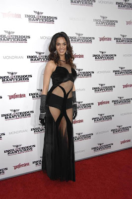 Mallika Wears Sizzling Hot Outfit for 'Inglourious Basterds' Premiere