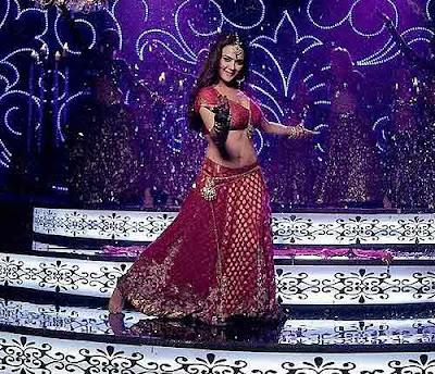 Preity zinta as an Item Girl in Main Aur Mrs Khanna