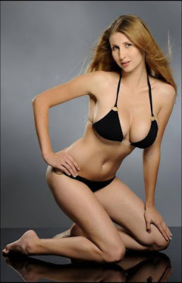 Claudia Ciesla Hot,sexy Bikini pics
