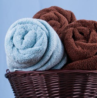 Rolled+bath+towels