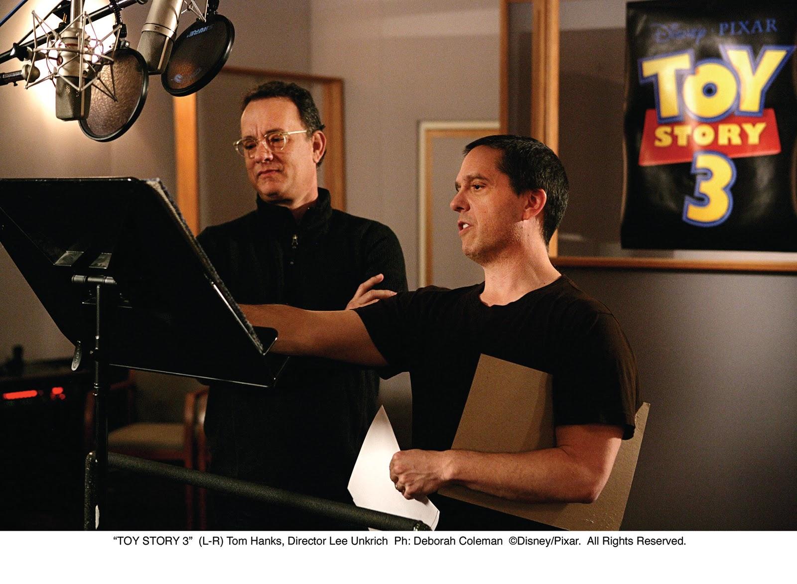 http://2.bp.blogspot.com/_WupTYuceq-k/TNHYgNzGJjI/AAAAAAAAAWk/tXwN1je832M/s1600/Tom+Hanks+&+Lee+Unkrich.jpg