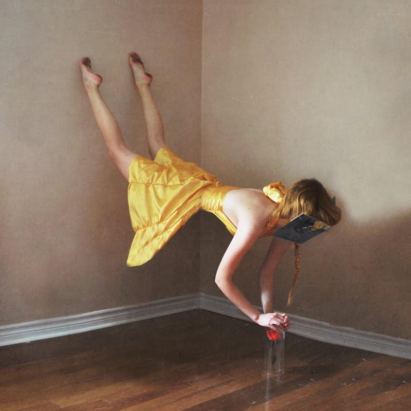 http://2.bp.blogspot.com/_Wv93jdk4qnU/S-0GDNGuqoI/AAAAAAAAGLM/GZxJBZV7Ifo/s1600/lissy-laricchia_fashionproduction_7.jpg
