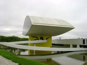 Curitiba (PR) - Museu Oscar Niemeyer