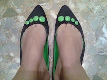 mis manoletinas usadas en mis pies