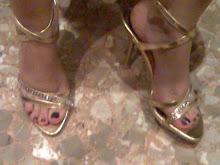 mis zapatos dorados usados, 10cmts, pedreria