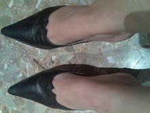 mis zapatos usados de punta con corte