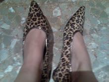 mis zapatos usados de leopardo