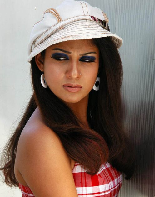 Nayanthara without Dress with Simbu http://digitsols.com/margarita/administrator/nayanthara-kissing-simbu