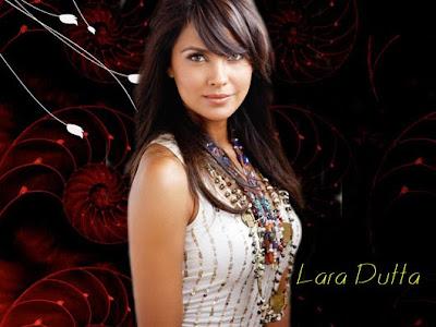 Lara Dutta Navel