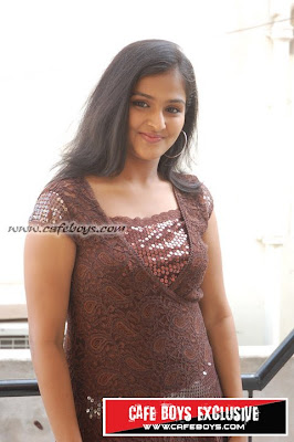 movie world   sexy malayalam actresses pictures sexy