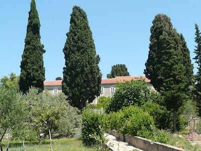 antico monastero francescano sull'isolotto di Galevac di fronte a Preko che si trova sull'isola di Ugljan, in Croazia