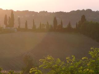 Seoski turizam u Toskani - dobra hrana, pesma cvrcaka u senci mirisnih borova, umetnost i neometan odmor u prirodi uz casu domaceg vina ucinice vas boravak u Italiji nezaboravnim