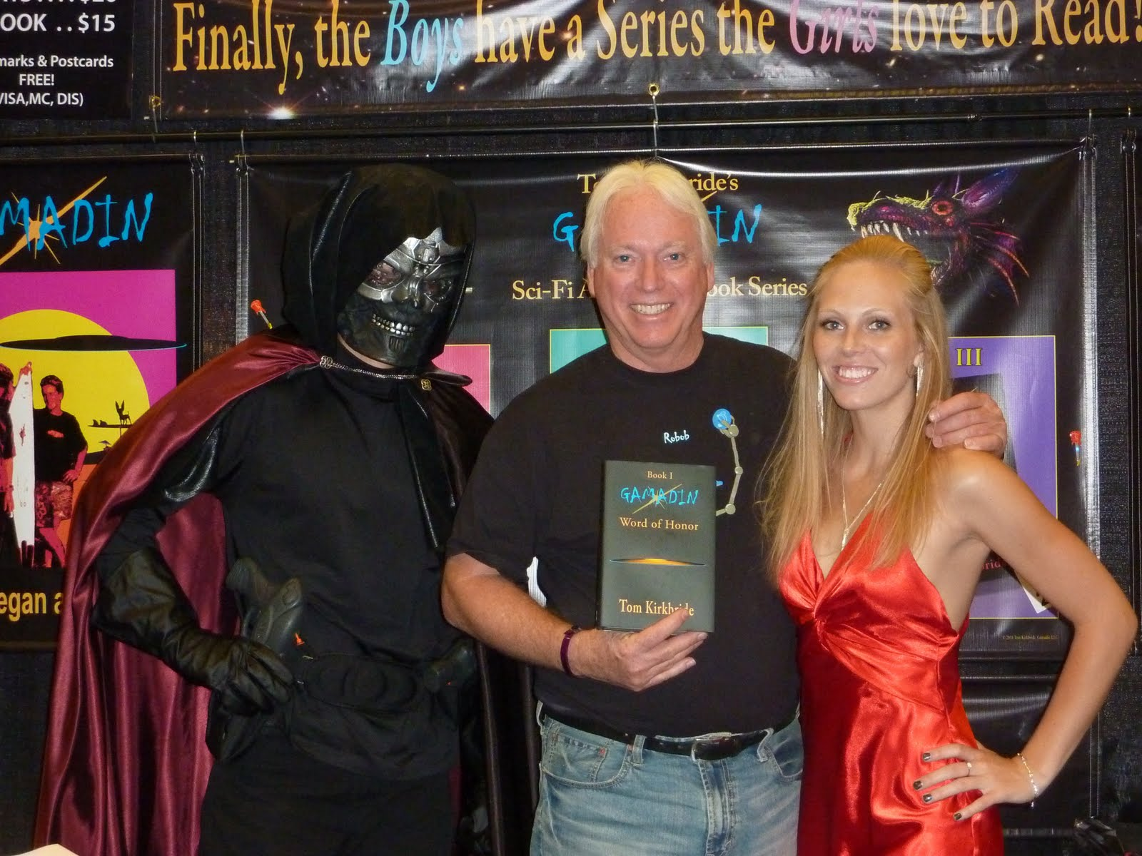 With Leucadia And Special Guest Sar On Hand, The Gamadin Booth Made Quite A  Splash At The 2010 Star Trek Convention In Las Vegas!