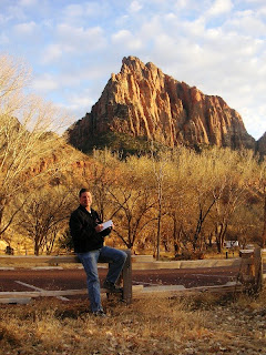 Utah artist roland Lee painting in Zion National Park
