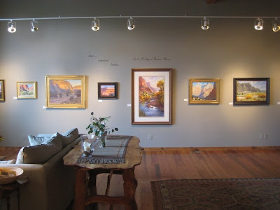 Roland Lee painting at the Bingham Gallery in Carmel Junction Utah