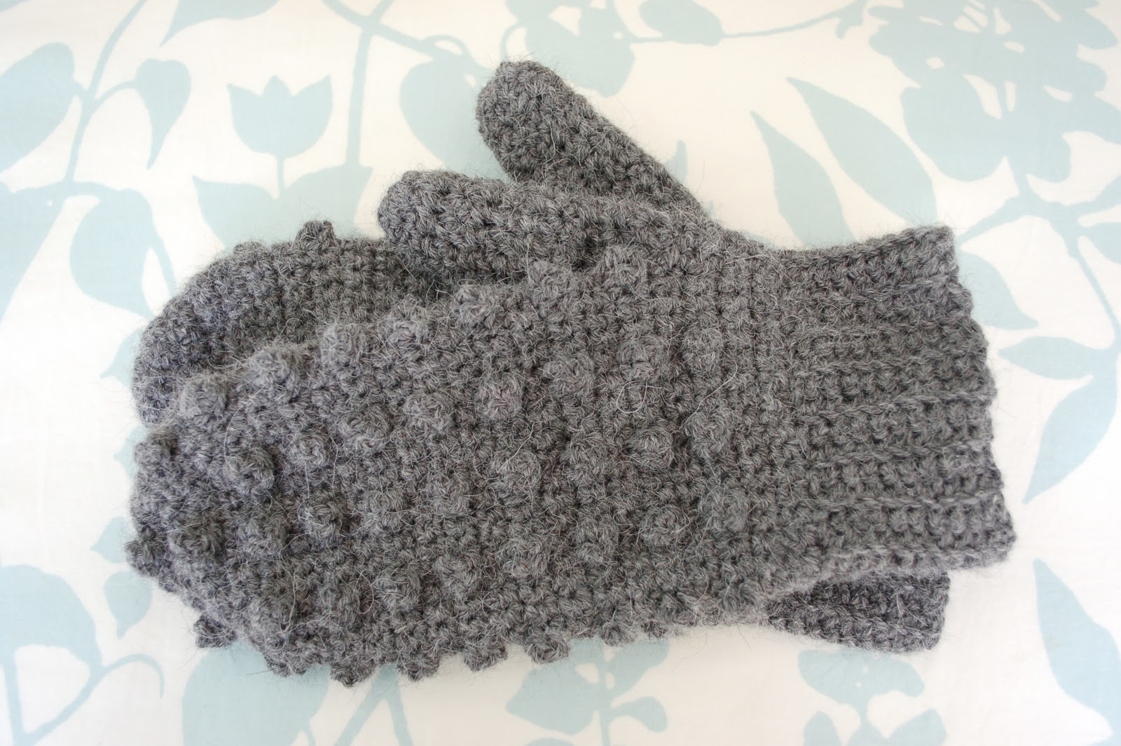 Crochet Mitten Pattern : most recently i made these mitten time mittens from crochet