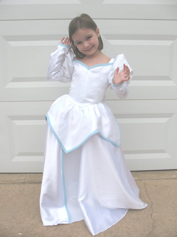 Cole\'s Corner and Creations: Ariel\'s Marry-ing dress