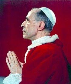 Decreto papal excomunga comunistas, socialistas e amigos