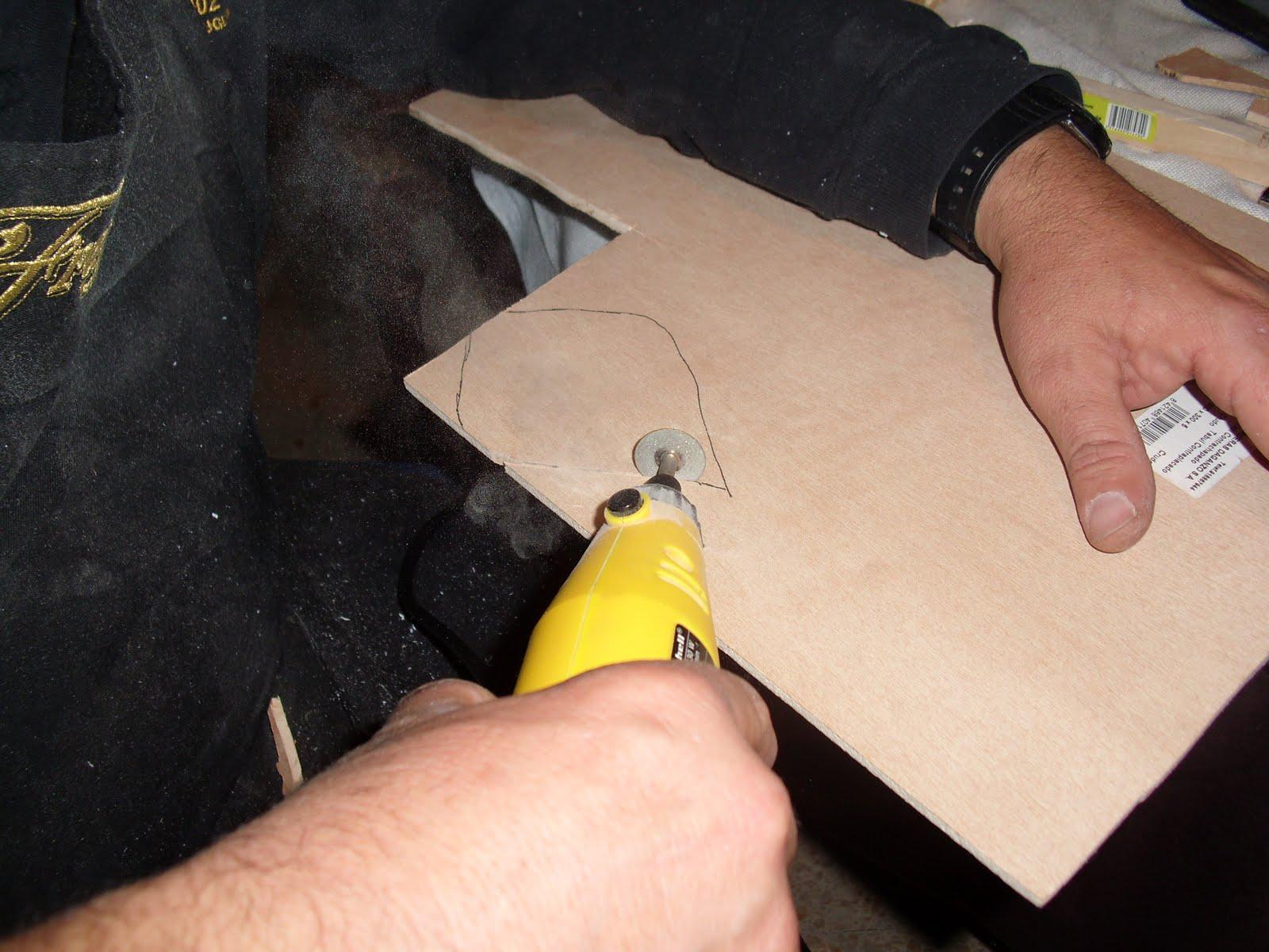 un poco la costura, el tejido y demas para hacer algo con madera