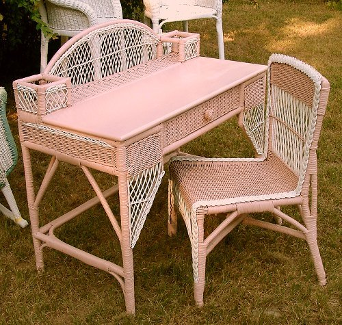 Rue de vamp painting wicker for How to paint rattan patio furniture